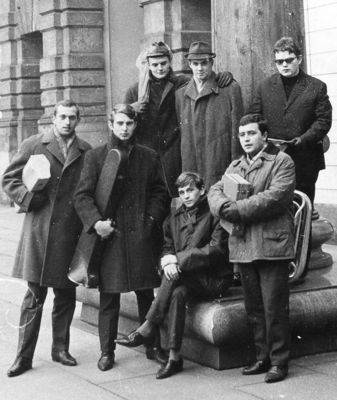Zľava Vladimír Šifter, Marián Nepela,Štefan Dugas,  Ján Humeňanský, Kaisi, Ivan Benko, Ján Novák