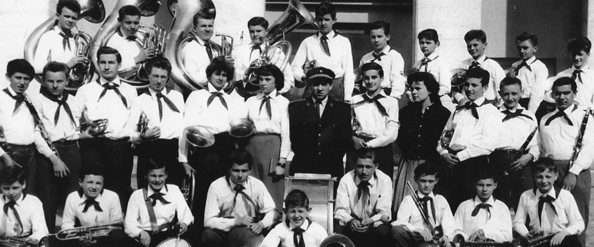 april_1960_dychovy_orchester